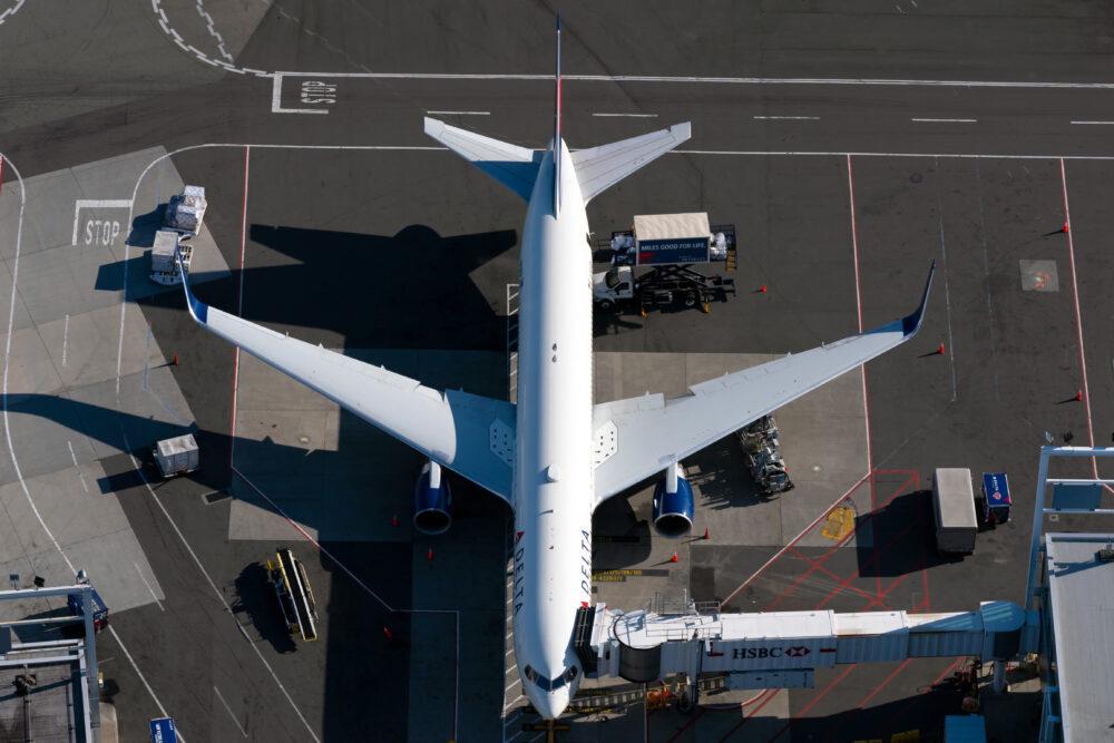 DL 767-300ER