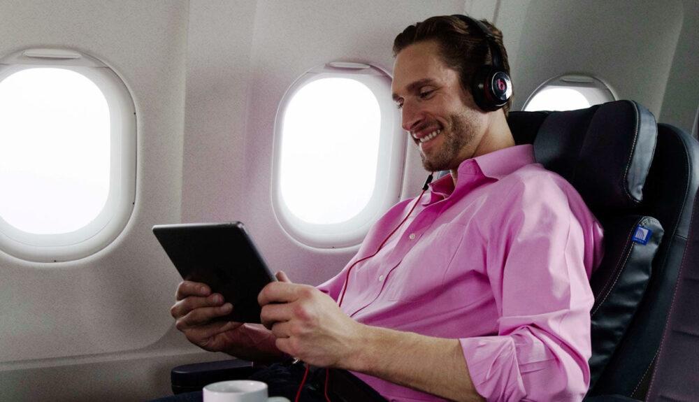 United first class headphones