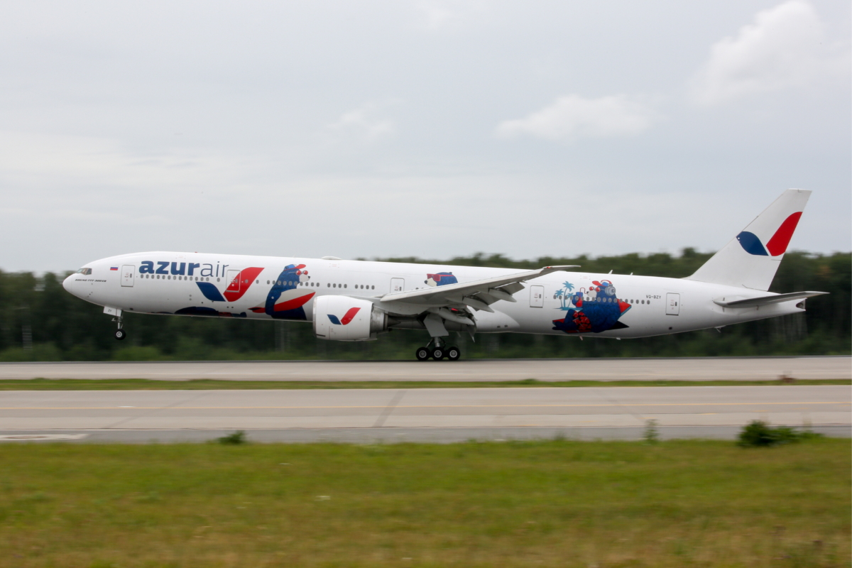 Azur Air puts Boeing 777 jet airliner into service