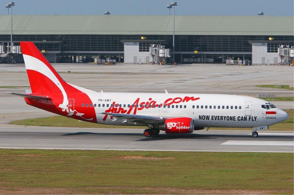 AirAsia Indonesia Boeing 737-300