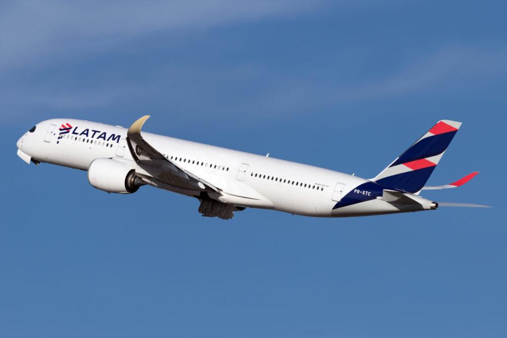 LATAM Airbus A350-900