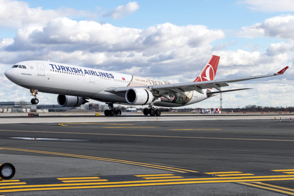 Turkish Airlines Airbus A330-303 TC-JOG