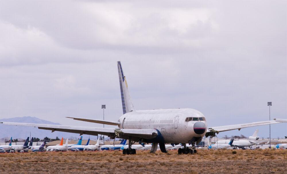 United B767-200