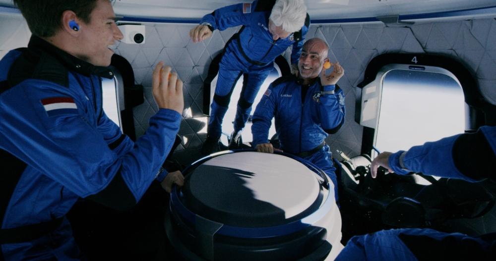 blue-origin-first-human-flight-l0-apogee
