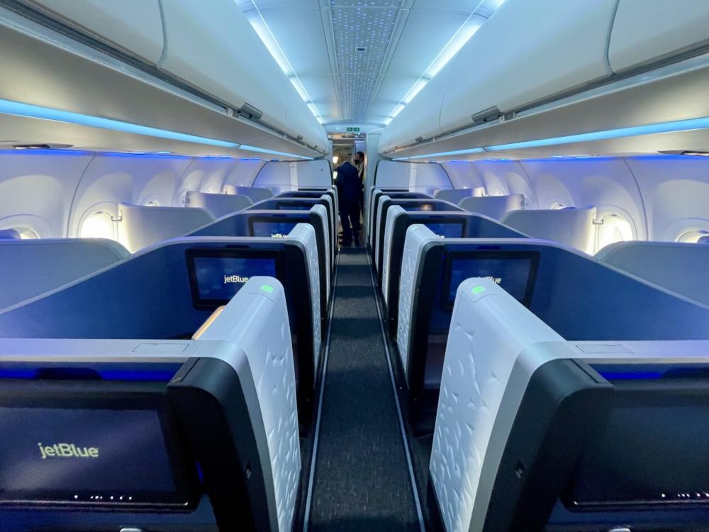 JetBlue A321LR Business Front