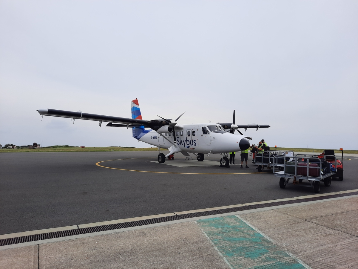 Review: Flying On A 40-Year-Old Isles Of Scilly Skybus Twin Otter