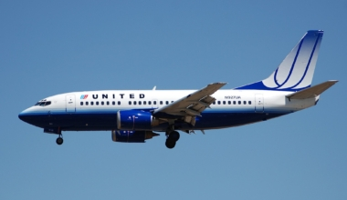 United B737-500