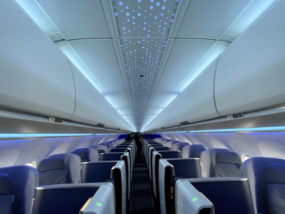 JetBlue A321LR Mint