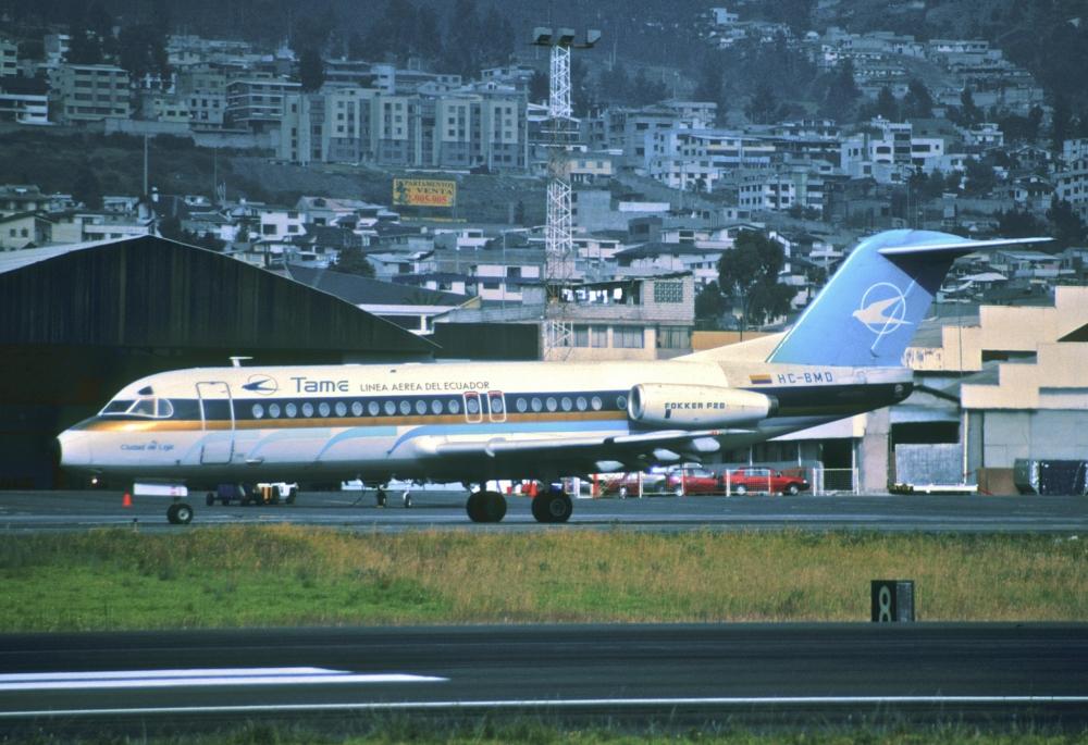 TAME Fokker F28