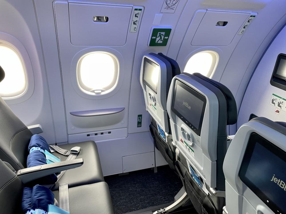 JetBlue A321LR Core Side