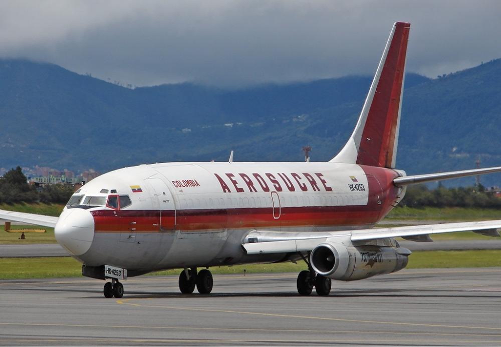 Aerosucre_Boeing_737-200_Dallimonti