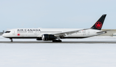 Air Canada Boeing 787-9 Dreamliner C-FVLZ (1)