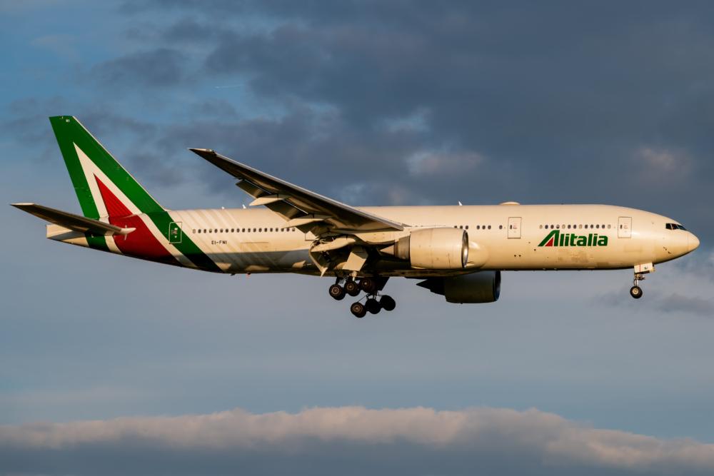 Alitalia Boeing 777-2Q8 (ER) EI-FNI