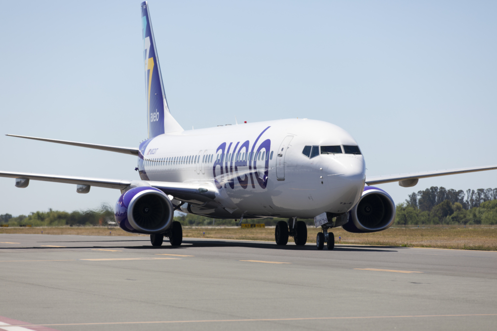 Avelo B 737-800
