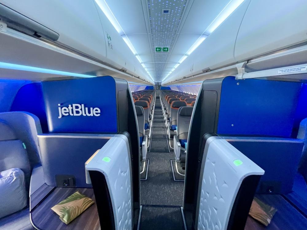 JetBlue A321LR Wide