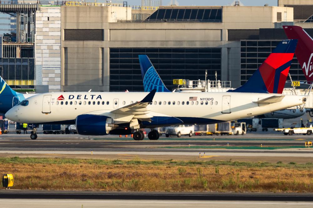 Delta Air Lines Airbus A220-100 N113DQ (2)