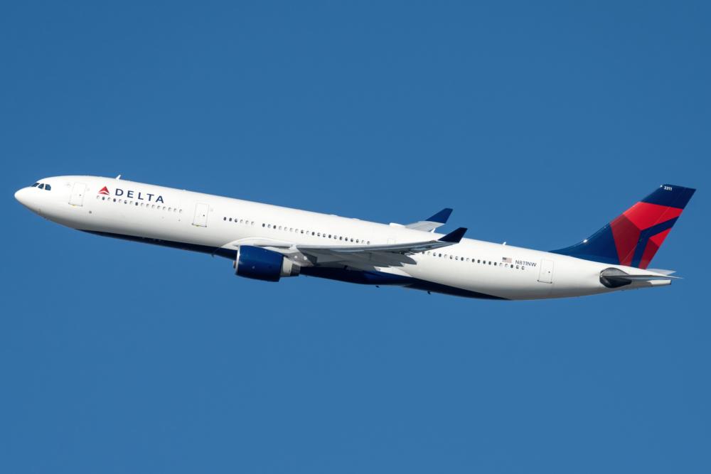Delta A303-300