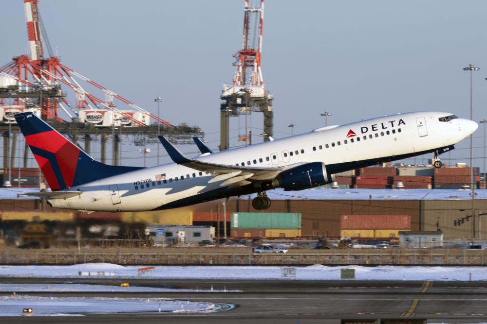 Delta B737