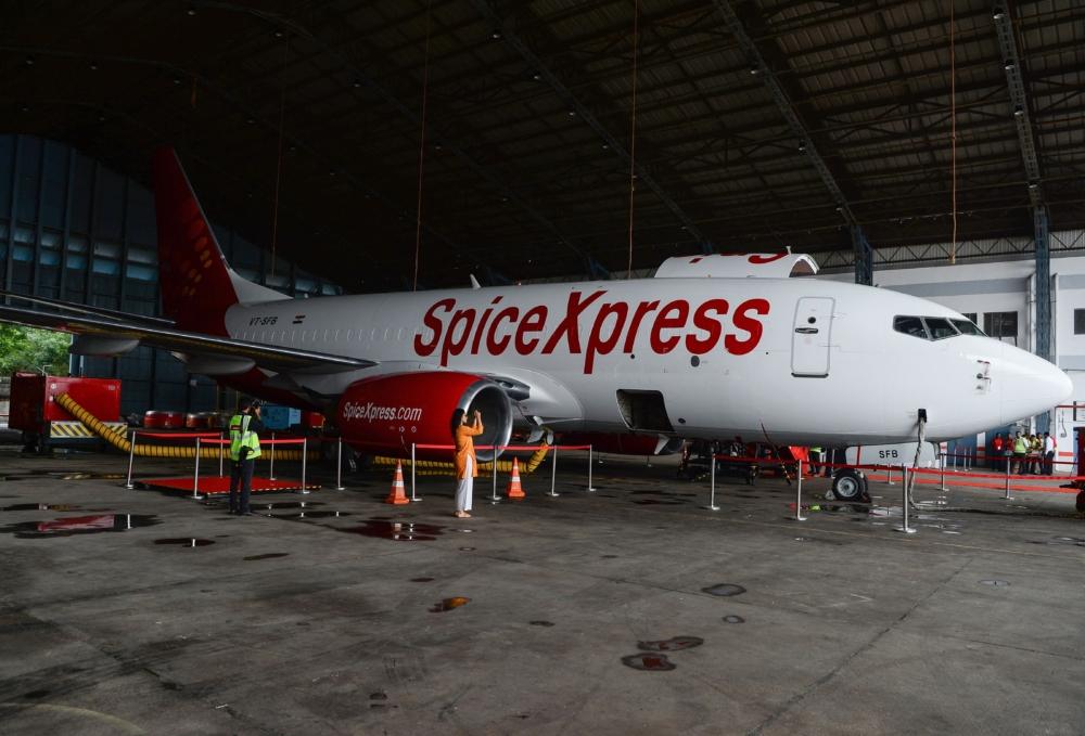 SpiceJet 737-800BDSF