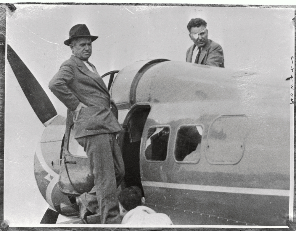 Portrait of Will Rogers and Wiley Post