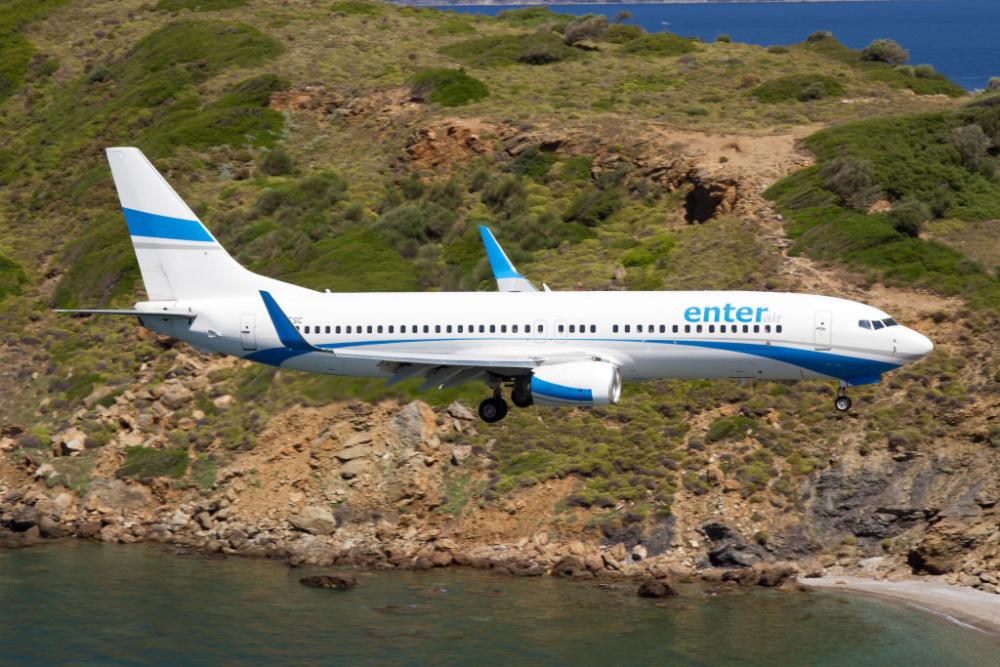 Enter Air Boeing 737