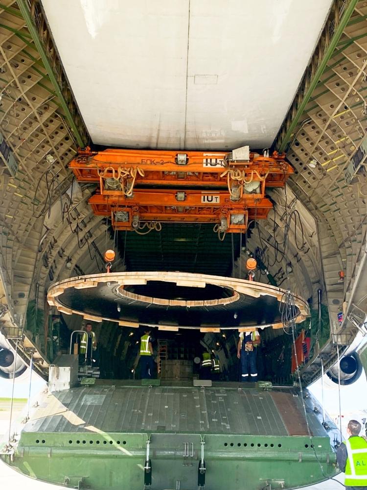 An-124 mining equipment