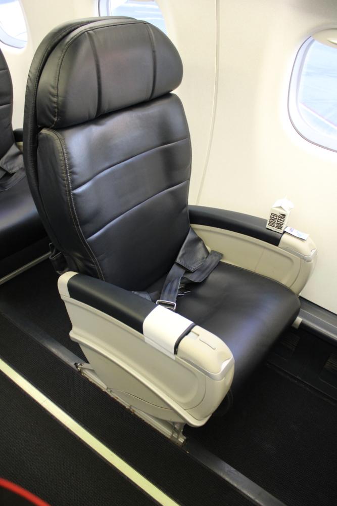 Alaska E175 solo seat