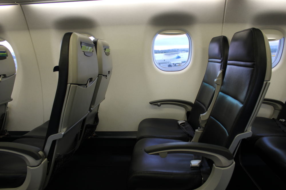 Alaska E175 seating