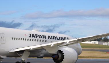 Japan-Airlines-Q1-Loss-Falls