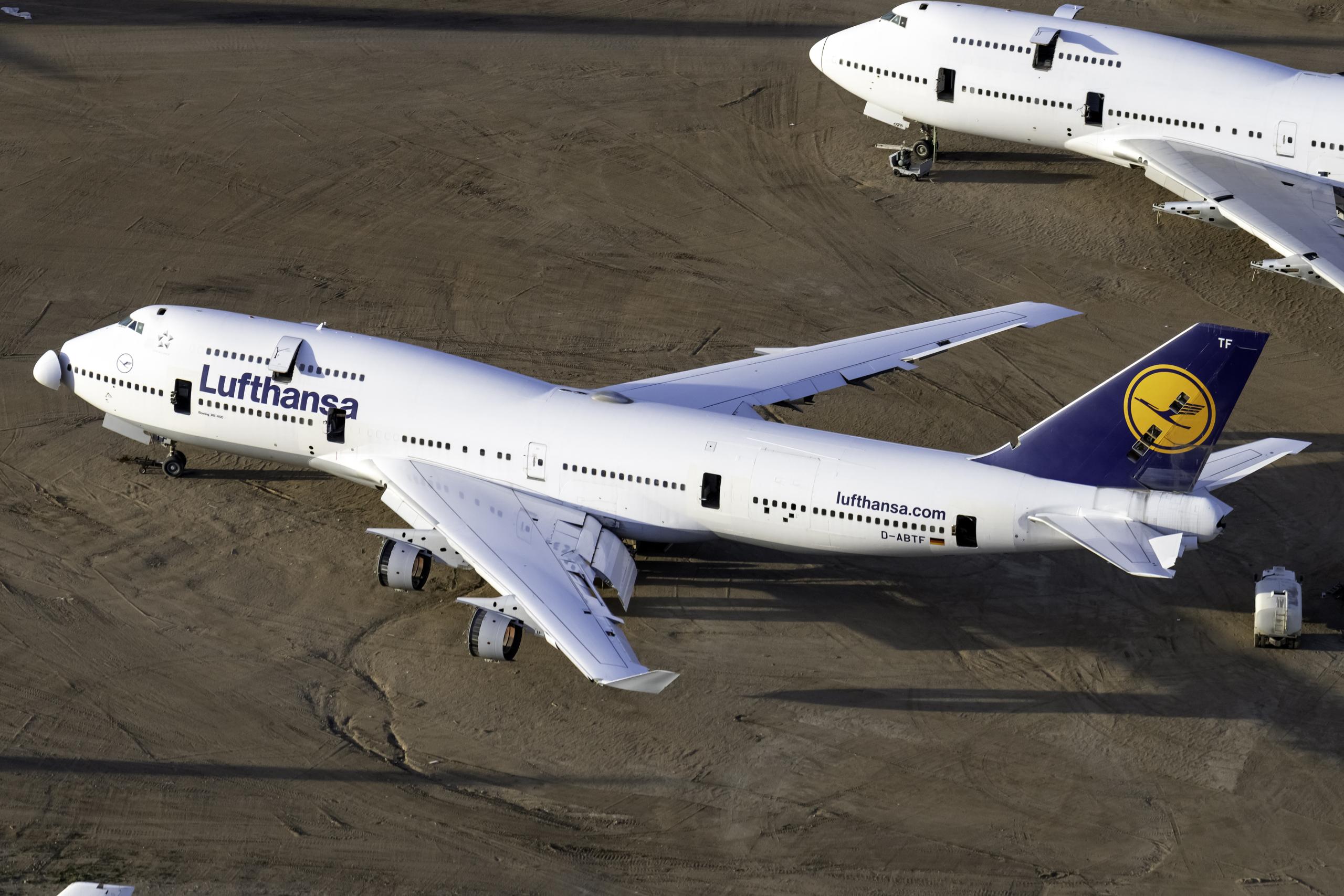 Lufthansa, Boeing 747-400, recalled