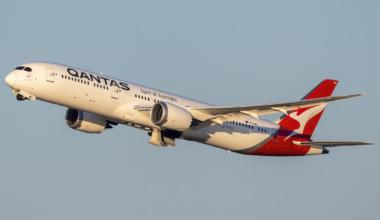 Qantas Boeing 787-9 Dreamliner VH-ZNH (2)