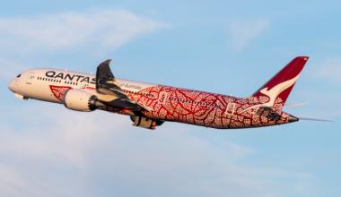 Qantas (Yam Dreaming Livery) Boeing 787-9 Dreamliner VH-ZND (2)