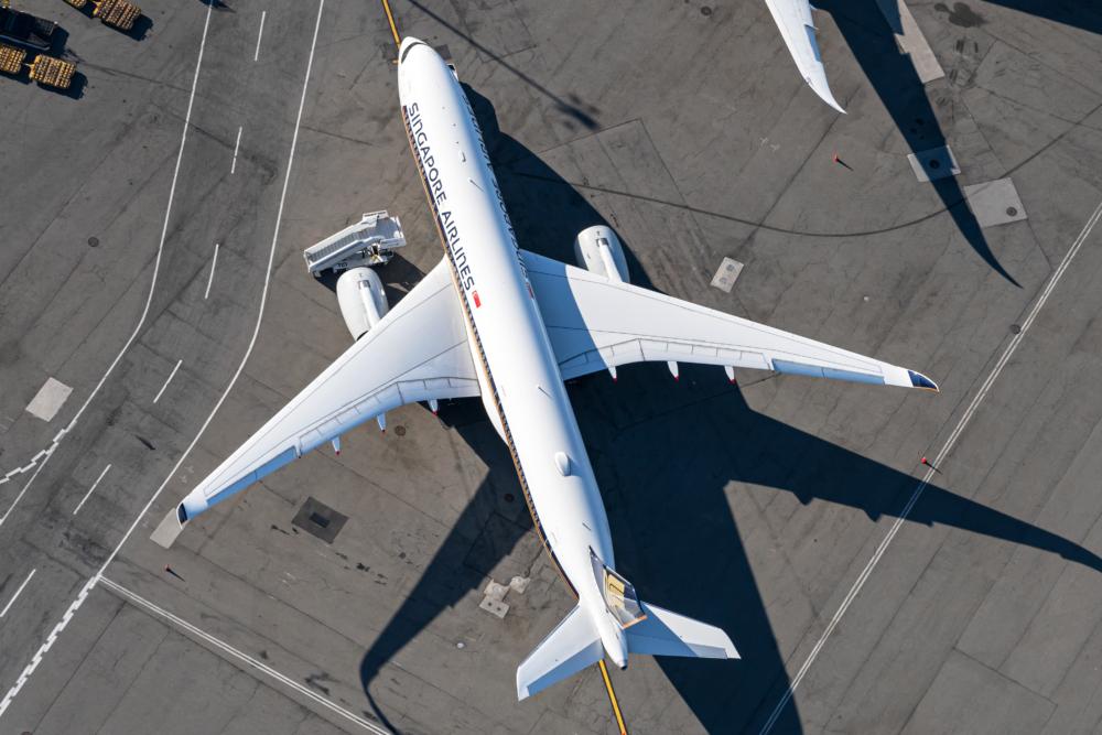 Singapore Airlines, Qatar Airways, Airbus A350