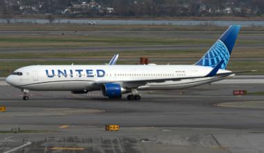 United Boeing 767-300ER