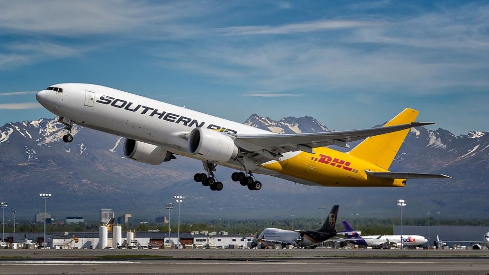 Southern_Air_B777F_N774SA_PANC_NASEDIT_(27922635168)