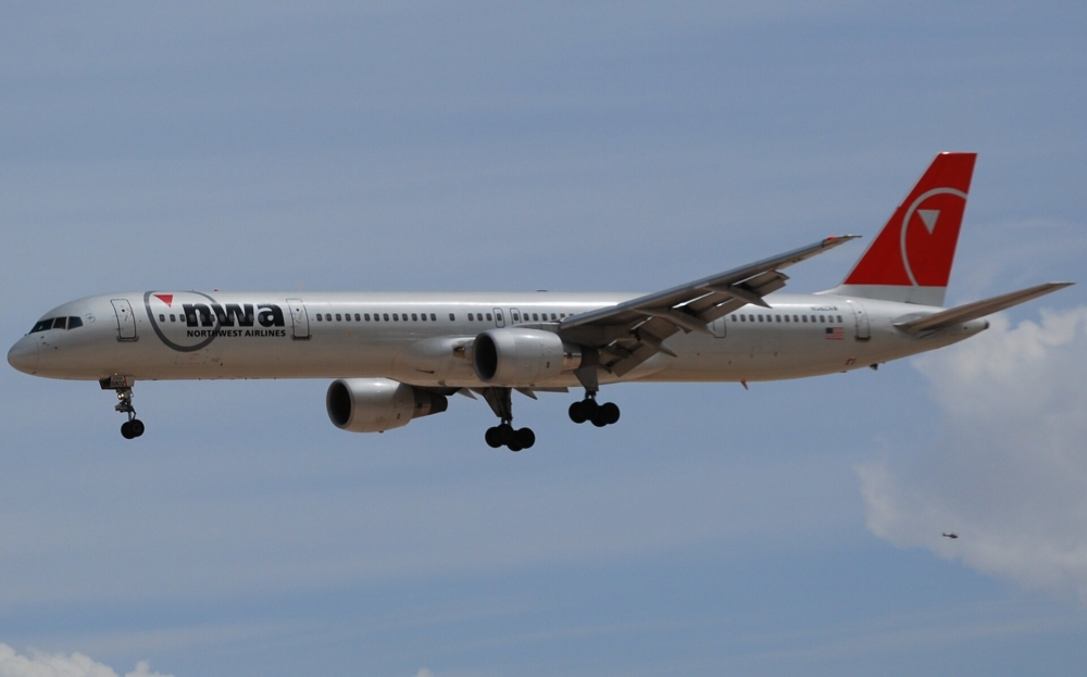Northwest Airlines Boeing 757-300