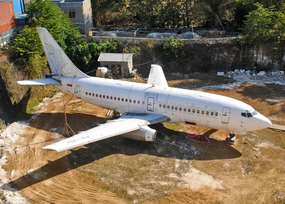 bali-abandoned-boeing-737