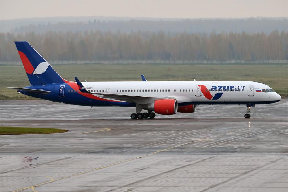 Azur Air Boeing 757