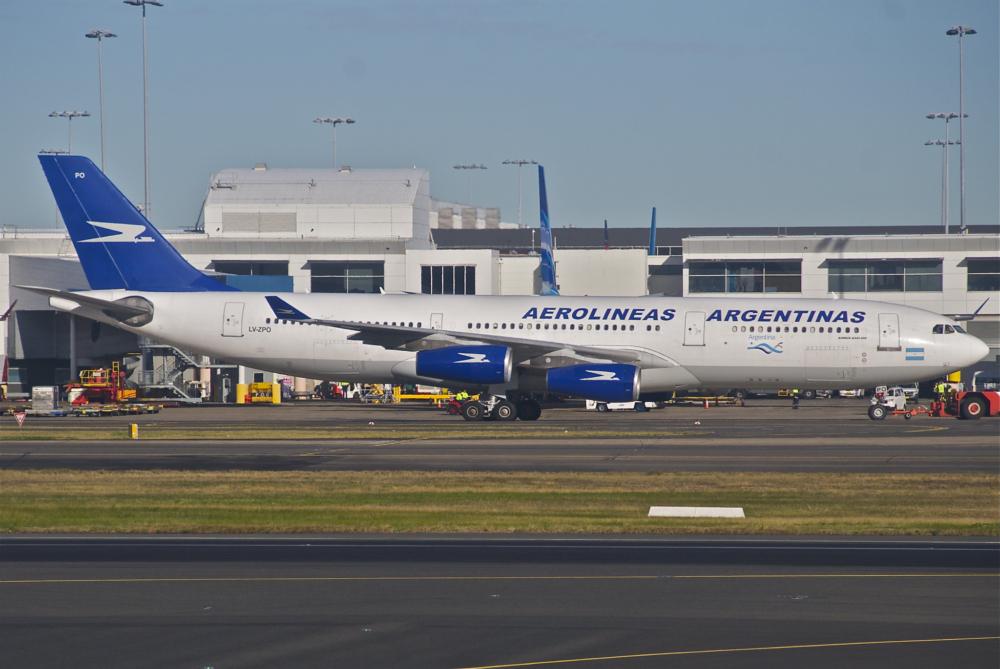Aerolineas Argentinas Airbus A340