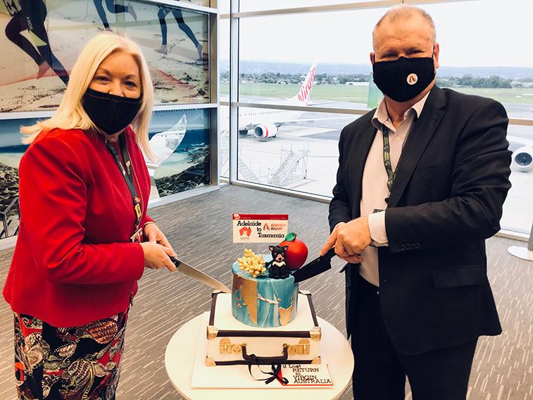 Adelaide_Airport_cake_1