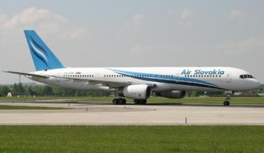 Air Slovakia Boeing 757