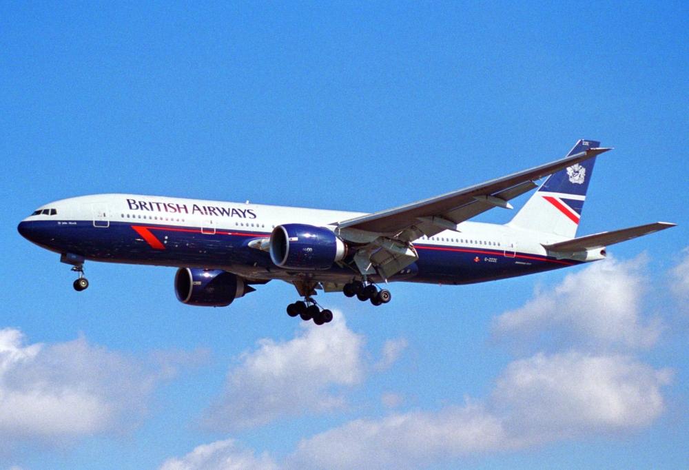 British_Airways_Boeing_777-236;_G-ZZZE@LHR;04.04.1997_(4904352315)
