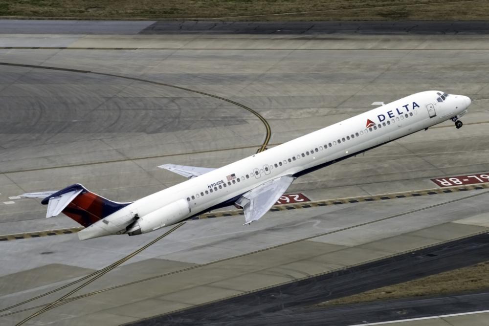 Delta Air Lines McDonnell Douglas MD-88 N904DE (1)