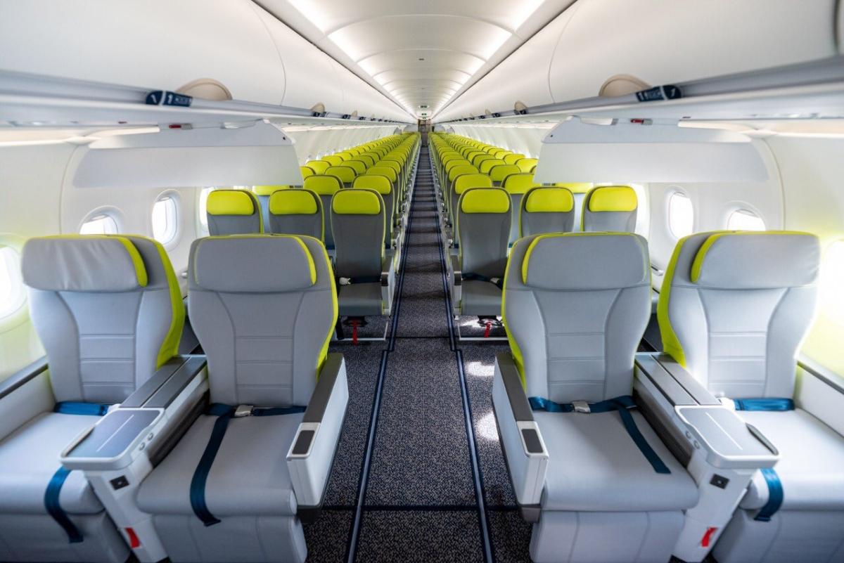 SalamAir Airbus A321neo cabin.