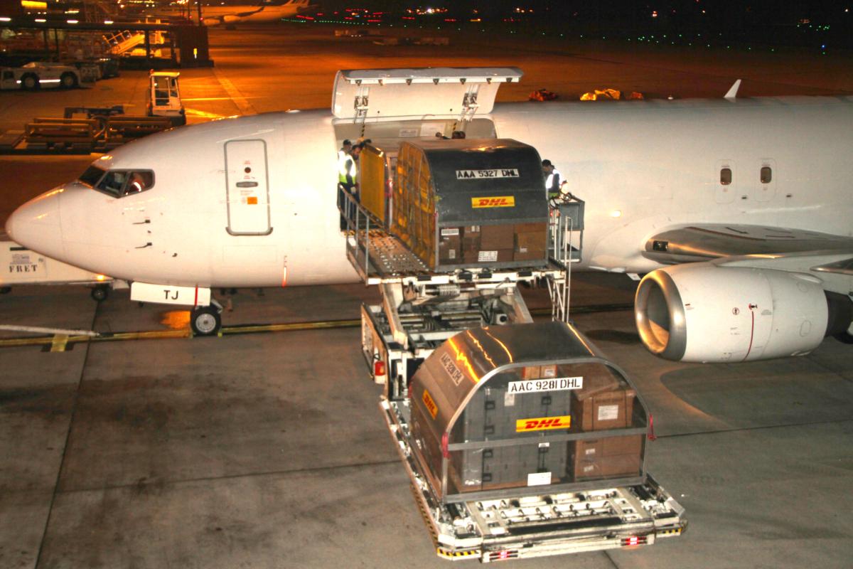 urope-Airpost-B737-400-Cargo-03