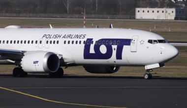 LOT Polish Boeing