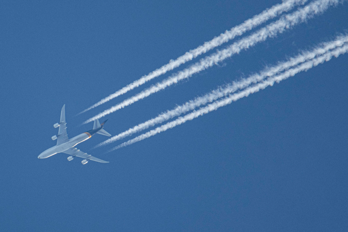 Why Do Aircraft Leave Lines In The Sky?