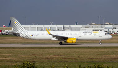 Vueling Airbus 321 leaving Paris Orly Airport