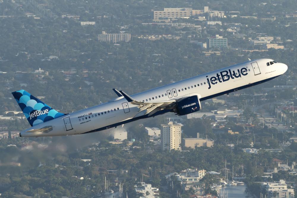 US Senator Urges DOT To Investigate American-JetBlue Alliance