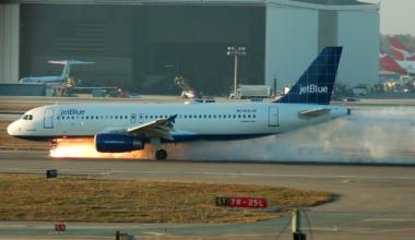 JetBlue 292 landing